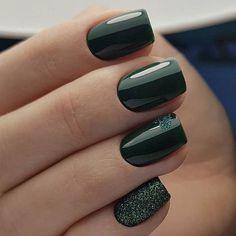 ongles vernis noir
