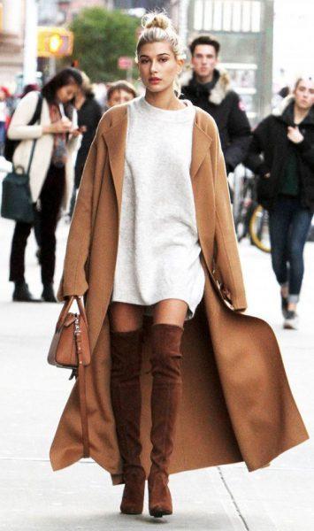 cuissardes marrons, veste caramal