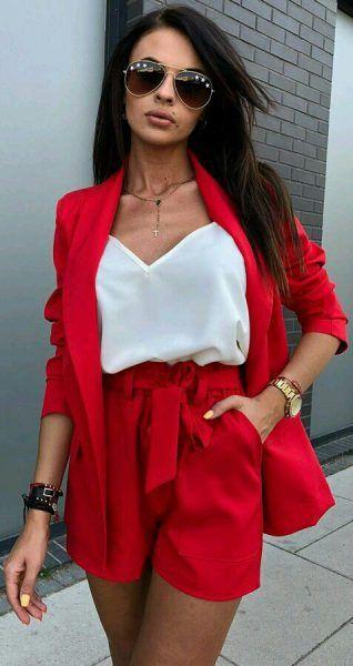 jupe veste rouge