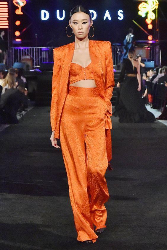 tenue orange