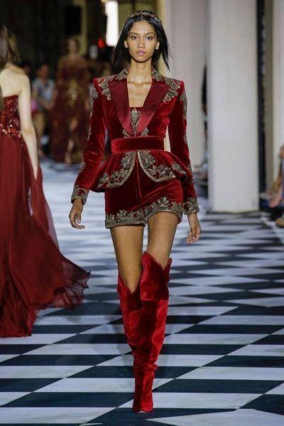 tenue rouge